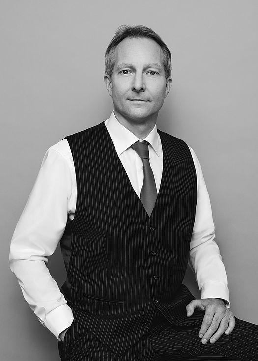Dr. Niels Malkomes