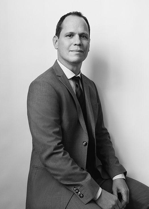 Dr. Christof Karl